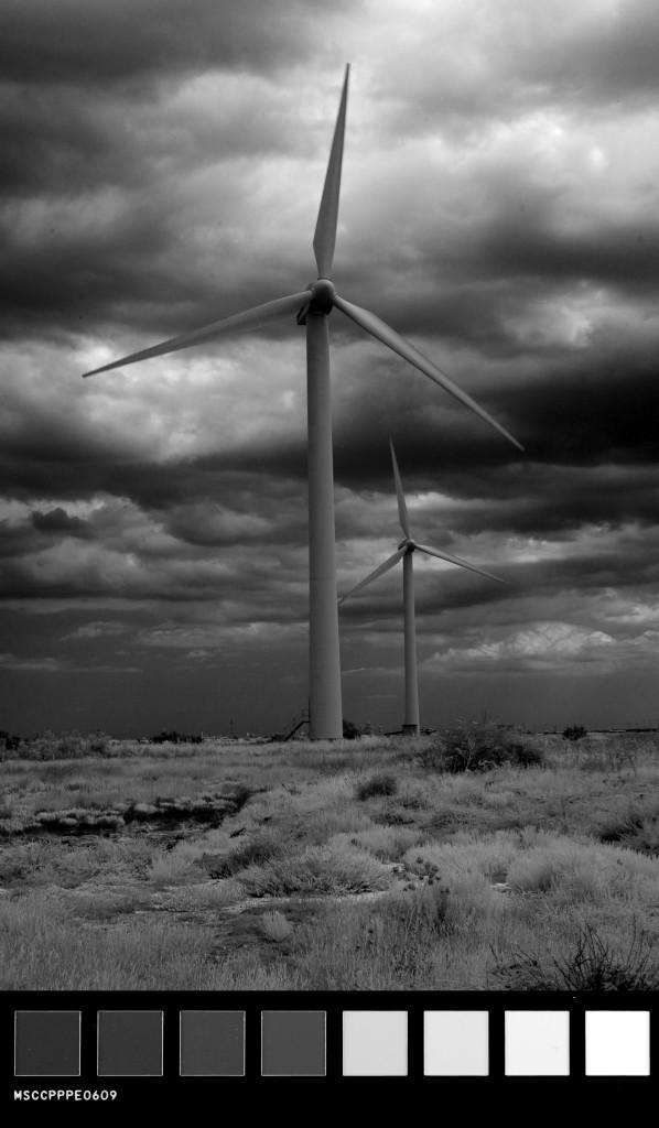 pala elica vento bianco e nero