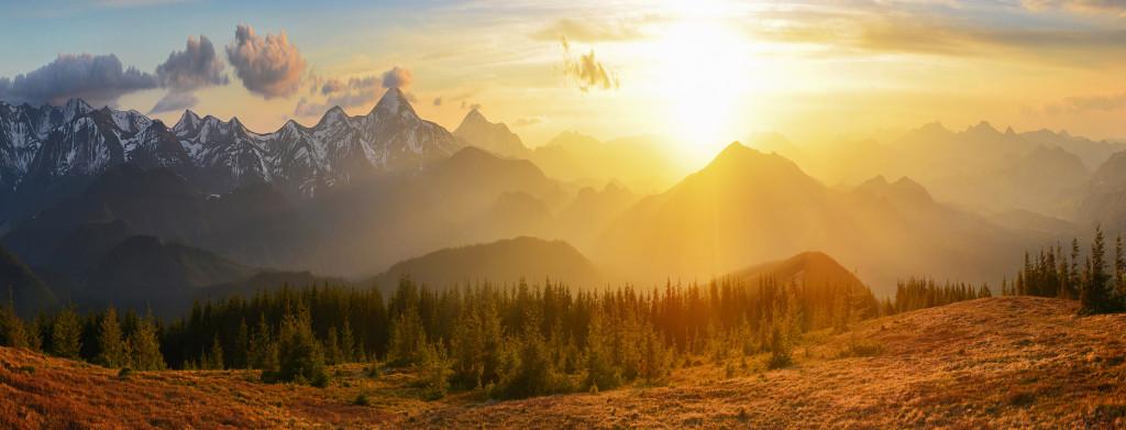 Sunset mountains panorma